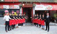 Tuyển nhân viên phục vụ, lễ tân, thu ngân, pha chế – Nhà hàng The Duckling – Hong Kong Vịt Quay & Lẩu