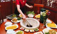 Tuyển nhân viên phục vụ bàn bao ăn ở – Nhà hàng lẩu hơi Lam Huyền